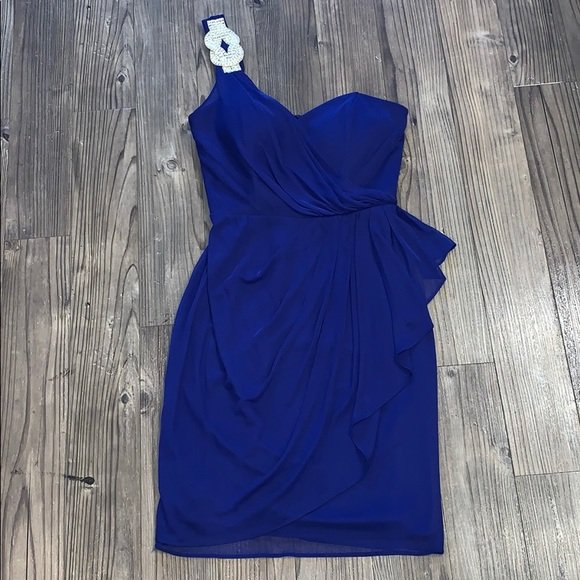 Xscape Dresses & Skirts - 👗 Royal Blue and Silver Cocktail Dress, Size 2
